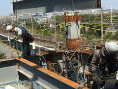 足場工事・鉄骨組立など、建物の事なら株式会社上野架設工業へ